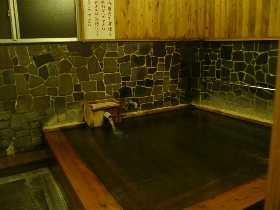 湯の峰温泉公衆浴場内湯。このとき温度約50℃。